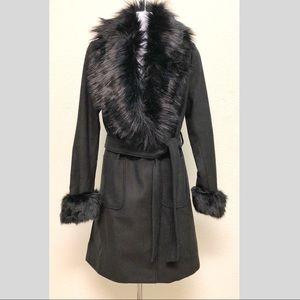 NWT Faux fur trimmed black coat SZ 4